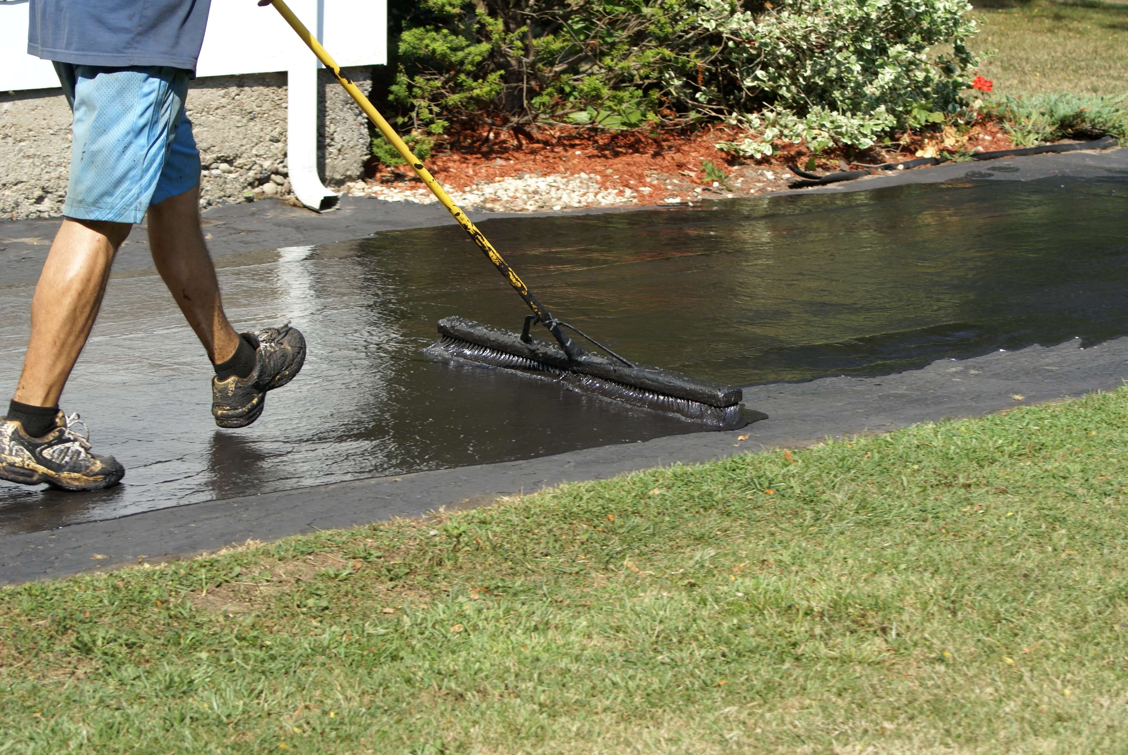 Asphalt driveway cost to replace