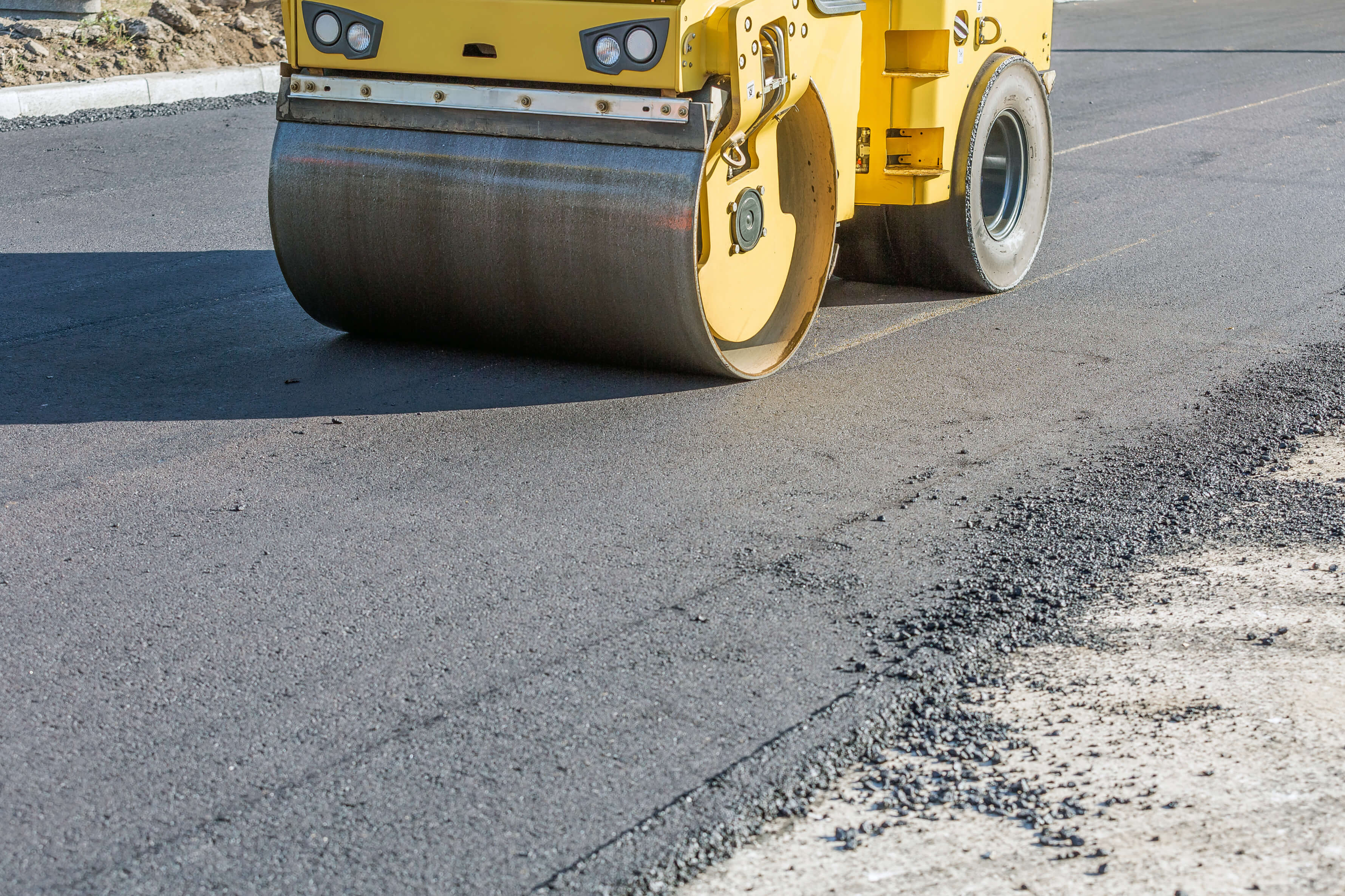 Why You Should Avoid Sealing Your Asphalt at End of the Season