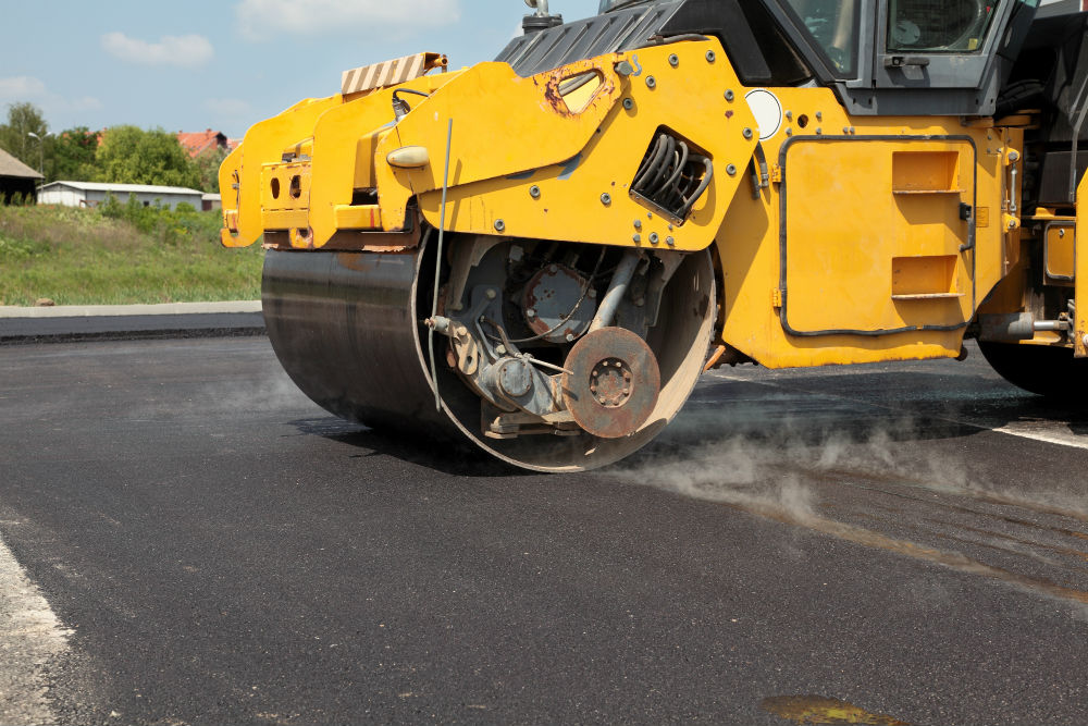 asphalt paving vs sealcoating